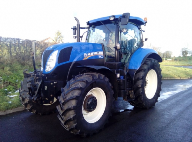 New Holland T7. 200